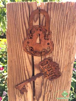 Vorhängeschloss und Schlüssel