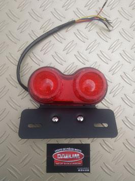 feu arrière compatible daelim vt   + support plaque