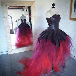 Robe de mariée, en cuir recyclé, ETOILE des NEIGES, dégradé de couleur, rouge, bordeaux