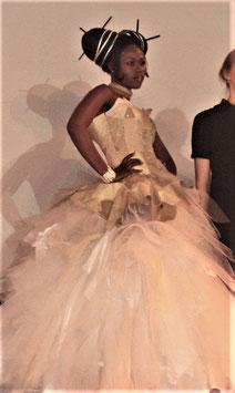 Robe de mariée, en cuir recyclé, ou simili cuir, vegan, ETOILE d' AZURIELLE, blanc, crème, noir, ou couleur