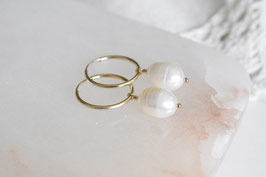 MELODY Pearl Hoop Earrings in gold