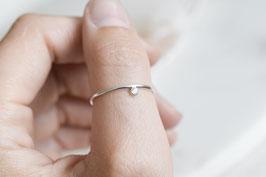 ZOE Side set cubic zirconia ring