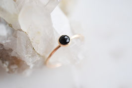 Onyx Ring in gold