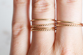 Twisted Ring in gold