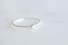 Mini Solitaire Ring in silber mit weissem Zirkoniastein