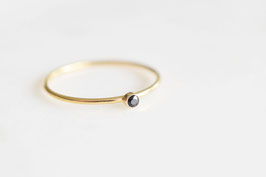 Mini Solitaire Ring mit Onyx