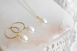 MELODY Pearl Necklace in gold