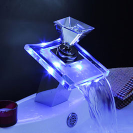 Beleuchteter-Glas-LED-Wasserhahn-Bad-Armatur-Wasserfall-Waschtisch-Armatur-Edel