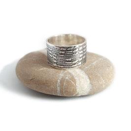 Unieke Zilveren ring met gewalst Leder patroon