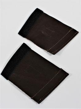 1 Paar Schnallenschoner aus Leder