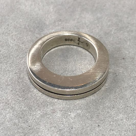 PARTS OF FOUR : Crescent Crevice Ring (4mm, PA)  US SIZE=5