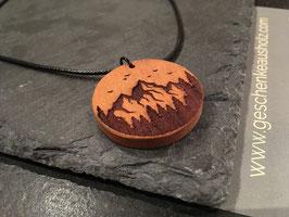 Bergwald | Halskette aus Holz | eingraviertes Muster | Holzkette | Geschenk | Naturschmuck