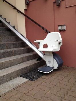 Miet-Treppenlift außen