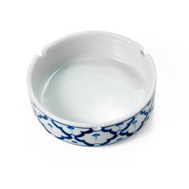 Thai Aschenbecher aus Porzellan mit blau weißem Muster
