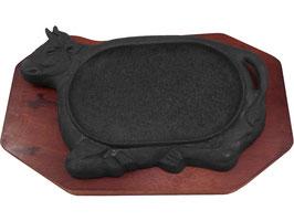 Servierpfanne aus Gusseisen mit Stier-Motiv