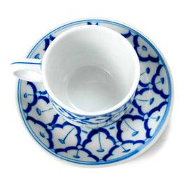 Thai Teetasse mit Unterteller aus Porzellan mit blau weißem Muster