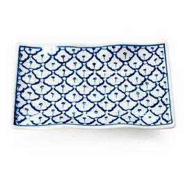 Thai Servierplatte mit geschwungenem Rand aus Porzellan mit blau weißem Muster