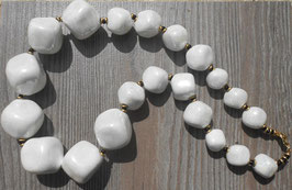Collier Kazuri White Mop