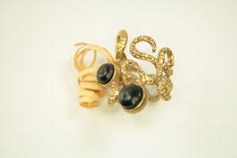 Ring, verstellbar, 2 Schmuckeinsätze aus Büffelhorn, Messing roh,