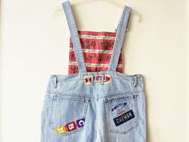 *Chewan* Latzhose Jeans 80s Logo Patches Karotte Hellblau (L-XL)