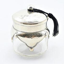 Glasdose aus Alpaka, mit Hammerschlag Verzierung