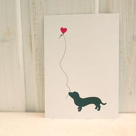 Postkarte / Klappkarte mit stilisiertem Dackel und Herzballon