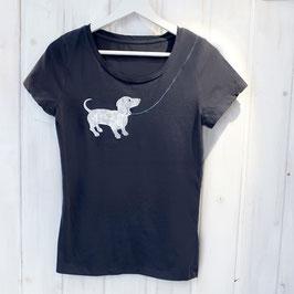 Ausgefallenes T-Shirt mit Dackel und Leinen-Naht für Damen