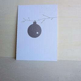 Weihnachtskarte mit Christbaumkugel