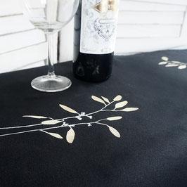 kleine schwarze Tischdecke mit Lorbeer-Illustration