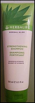 Kräftigendes Shampoo