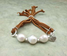 Leder Armband Barockperlen Weiß