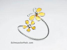 Ring Schmetterling mit Blume