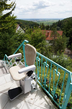 Außen-Treppenlift Lehner Alpha (kurvig)