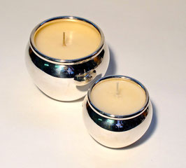 Duftkerzen in Silbergefäss