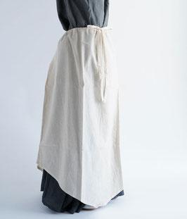 ヂェン先生の吊りスカート キナリ