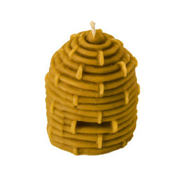 Wachskerze im Bienenkorb Style