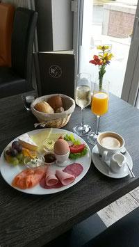 Early-bird(boat)-Tour mit anschl. Frühstück im Cafe Rheingenuss