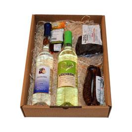 Geschenkbox Wild + Most, Hirsch Gewürzräucherschinken, Wildselchwurst mit Paprika, Chili-Würstel, Zwetschke Edelbrand, HIRSCHBIRNE Birnenmost