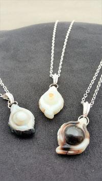 collier pendentif agate sculter pierre naturelle