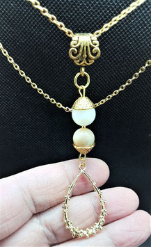 creations pendentif goutte metal doree nacre