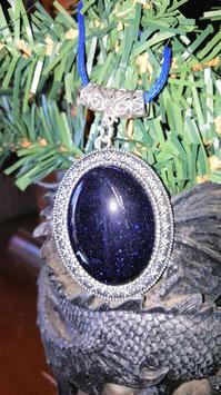 collier pendentif 4 x 3 cm pierre du soleil