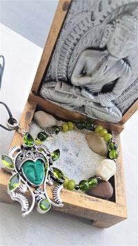 bracelet et pendentif bouddha peridot
