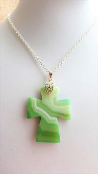 collier pendentif croix agate verte