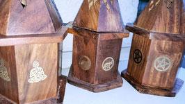 pyramide bois porte encens