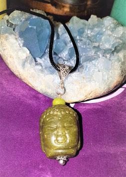 pendentif bouddha jade vert