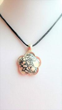collier pendentif fleur howlite