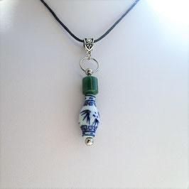 collier jade bouddhiste perle porcetaine boudhiste et perle tube jade