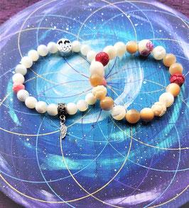 bracelet nacre perle ronde et fleur de lotus nacre