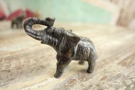 Kleiner Stein-Elefant 05