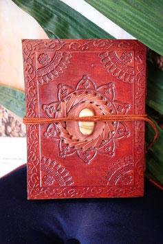 Leder Notizbuch mit eingefasstem Stein KL